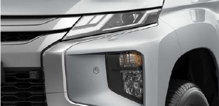 Mitsubishi L200 FEUX AVANT A LED