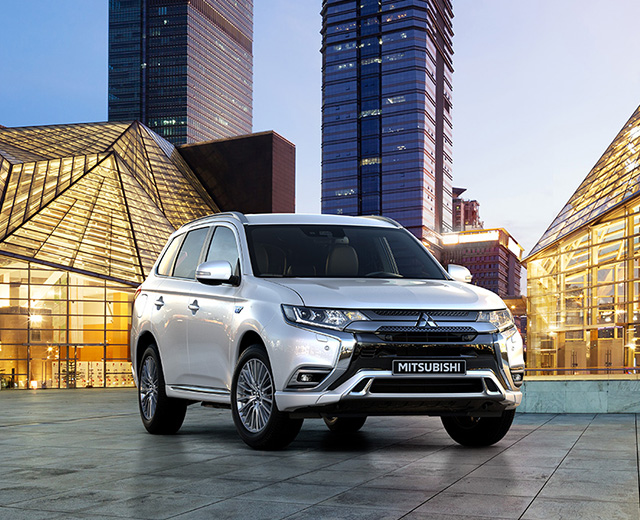 mitsubishi motors suv outlander phev hybride rechargeable. Black Bedroom Furniture Sets. Home Design Ideas