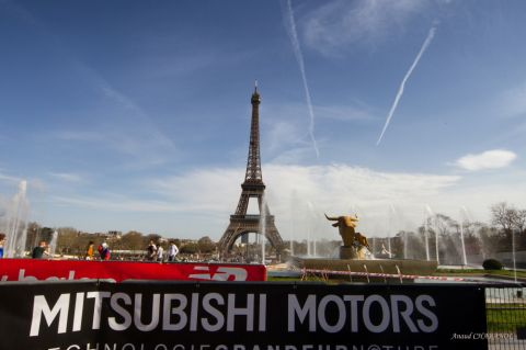 Le Mitsubishi Outlander PHEV donne le coup de départ de L'Eco-Trail de Paris Ile de France